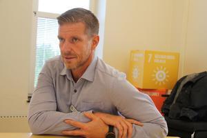 Vårdplatser stängs men det ska inte drabba patienterna, lovar Roger Westerlund, verksamhetschef inom internmedicin, Region Gävleborg.