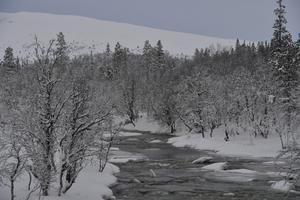 Än rinner Grövlan, men nu är det inte långt bort för att även den fryser till is.