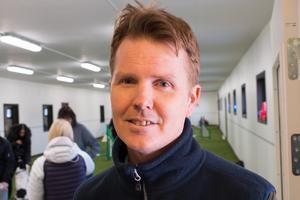 Djurvårdsläraren Daniel Lundmark tycker att samarbetet kring bygget av hallen är ett lyft för skolan.