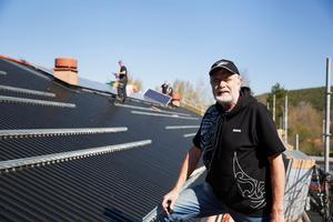 Erik Eriksson har varit drivande i att få solpaneler på taket.