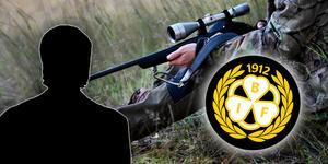 En man från Gävle misstänks vara förmedlare i den stora muthärvan om jägarexamen, där två Brynässpelare har fällts för brott.