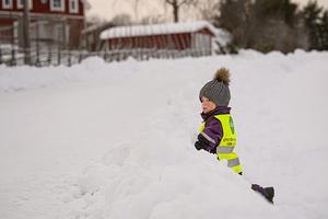 Ha i åtanke att reflexer är en färskvara och många reflexer på barns vinteroveraller nöts ner, vilket kan påverka synligheten och funktionaliteten.