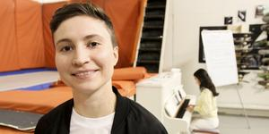 Sabina Wärme har många järn i elden och många av dem handlar om att främja förutsättningarna för kvinnor och transpersoner i den svenska musikbranschen.