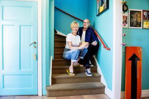 Eva och Martin har färgsatt sitt hem i klara, starka färger.