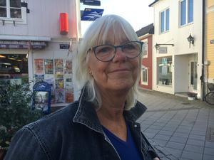 Britt-Marie Rydén, 71, Österlisa: – Ja, det gör jag. Jag ser om helhetsintrycket är bra, och om det finns kladdiga bord och så där.