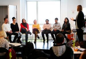 När internationella kvinnodagen uppmärksammades på Magneten i Krokom arrangerades en paneldiskussion med representanter från kurdiska föreningen, ABF, Riksteatern och African women.