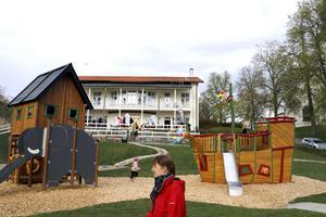 Här i generationsparken väcks leklusten oavsett ålder.