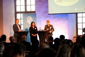 Forskaren Pontus Braunerhjelm, Jessica Polfjärd (M) och Irene Wennemo (S) diskuterar rörlighet på arbetsmarknaden.