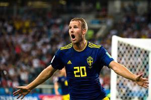 Ola Toivonen jublar efter sitt ledningsmål mot Tyskland. Bild: Petter Arvidson/Bildbyrån.