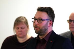 - De hade inget eget förslag till nämndbudget utan reserverade sig till förmån för sitt eget förslag i kommunfullmäktige. Så de tar inte ansvar för nämndens budgetram och för den tilldelning vi har fått från kommunfullmäktige, säger Berth Falk (S), ordförande i KUB.