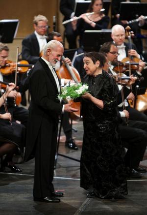Hovsångarna Erik Saedén och Margareta Hallin tillhör dem som kan säga att de arbetat tillsammans med Hjördis Schymberg.
