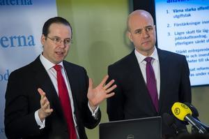 Borg och Reinfeldt får underkänt i jobbpolitiken.