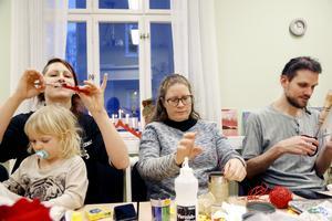 Sanna och Zelda Corell samt Ellen Lindgren och Kjetil Rejving är alla medlemmar i Foodsharing Östersund.
