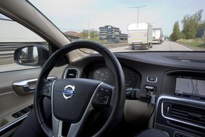 Redan 2014 visade Volvo Personvagnar upp sin teknik med självkörande bilar, för det test som snart kan bli aktuellt på svenska vägar. Foto: Björn Larsson Rosvall / TT