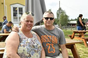 Ann Eriksson och Roland Grund utrymde stugan i vid Granåssjön
