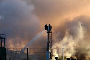 Trådproduktionens lokal som drabbades av brand i torsdagskväll är helt eldhärjad.