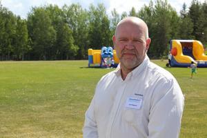 Jan Filipsson berättar att varje anställd har möjlighet att gå in och avbryta ett arbete. Det är ett steg i företagets säkerhetsarbete.