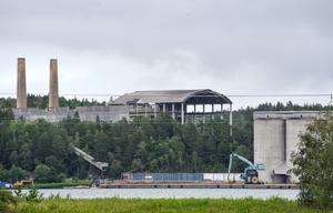 Cementa har behållit hamnen i Stora Vika i sin ägo, trots att bolaget lämnade orten 1981.