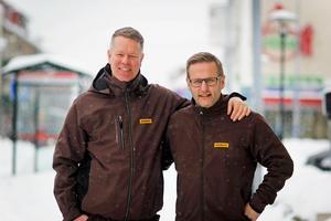 Gårdsmark grundades av Lars Johansson, Mikael Puhakka och Tommy Hafsdalen (som ej är med på bild). De är bonden, elektrikern och rörmokaren som känt varandra i över 20 år. Trots att de har drivit en mängd företag är det här första gången de gör någonting tillsammans alla tre.