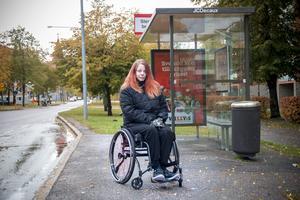 Sussanne Vigren vill kunna ta bussen till högskolan där hon studerar.