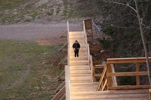 Heléne Nysten startar en av dagens tio vändor i trappan.