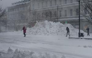 Det kraftiga snöfallet påverkade bland annat sophämtning och hemtjänst.