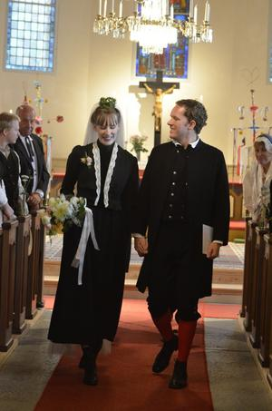 Efter åtta år tillsammans är Ingela och Marcus äntligen man och hustru.