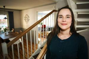 Både föräldrar och skola har stor betydelse för att hjälpa unga med läsningen, säger Helen Schmidl, som kommer att skriva om barn- och ungdomslitteratur i ÖP framöver, med start i dag.