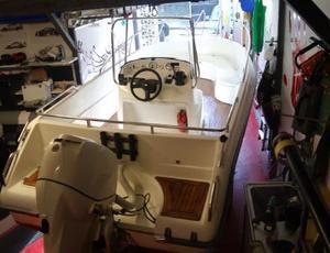 Bild på stulen båt. Foto: Ur förundersökningen