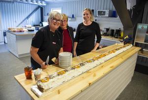 Kökspersonalen som hade fixat tårta var Annica Welander, Annabell Andersson och Marie Battaglia.