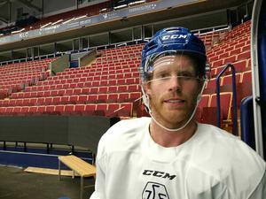 Philip Samuelsson tränade med Leksand under sitt besök i Dalarna, men har nu vänt åter till USA.
