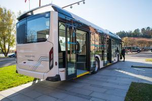 Det är den första elbussen Scania presenterar för sina kunder.