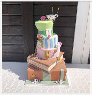 Tårtan var till ett bröllop med Alice i underlandet-tema. Foto: Veronica Aster
