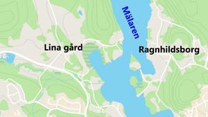 Lina gård ligger väster om Linasundet och Mälaren.