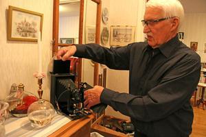 Den äldsta kameran i Anders ägo gissar han på är från 70-talet.