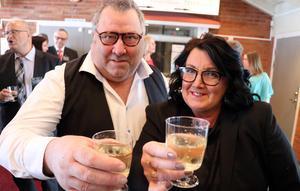 Kenneth och Britt-Marie Östman skålade in Företagsfesten 2018.