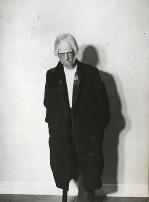 Under en period på 1940-talet provade Ingmar Bergman på det mesta inom teatern _ bland annat att skådespela. Här syns han som Duncan i en uppsättning av