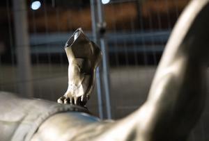 Zlatan-statyn har vandaliserats i flera omgångar. Bild: TT
