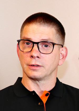 I nuläget har Anders Karlsson fått fem anmälningar till föräldragruppen.