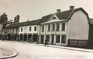 Bebyggelse vid Stora gatan mellan Kopparbergsvägen och Karlsgatan.