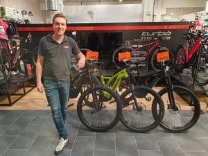 I fyra år har Henrik Andersson, från Ljusne i Södehramns kommun, varit delägare i cykelföretaget TCM cykel. Efter årsskiftet tar han med sig företaget till hemkommunen.