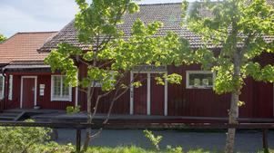 Delar av stinsbostaden i Järna har använts som godsmagasin.