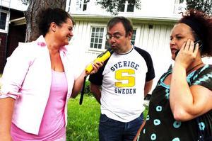 Obligatorisk blåsning. Beate Erichsen, Jan Olsson och Anna-Karin Larsson har skaffat alkoholmätare för att kolla nykterheten hos ungdomarna som ska följa med till Furuviksparken på fredag.