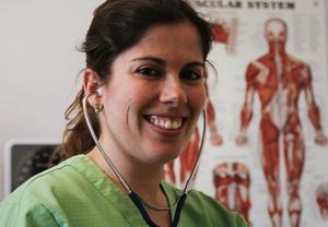 Diana Antón Sanmartín trivs med sin tillsvidareanställning i Hudiksvall och vill lära känna sina kunder.