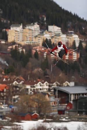 Den tionde upplagan av Jon Olsson Invitational hölls i Åre, fredag-lördag. Tävlingen eller uppvisningen hade samlat några av världens bästa åkare i Big Jump och Big Air. Tävlingen betraktas som en av de tyngsta i världen med flera tuffa, stora och riktigt svåra hopp.