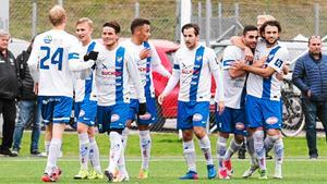 Linus Ljuslinder, med nummer 24 på ryggen, är klar för ännu en säsong i IFK Timrå-tröjan.