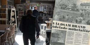 Värden för minst 3 miljoner kronor förstördes när möbelbutiken brann ner till grunden för 30 år sedan.