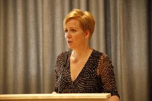 En T-korsning vid Höga kan duga tills vidare, tycker Lena Svahn (MP).