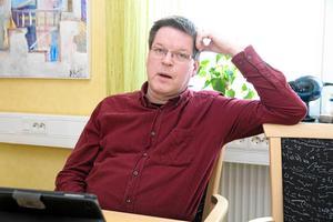Kommunalrådet Leif Pettersson (S) beblandar sig inte med personalfrågor ute i kommunens nämnder.