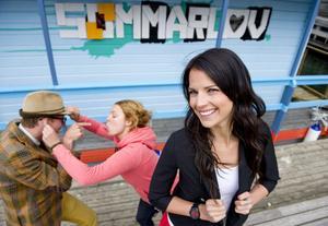 """I sommar leder Malin Olsson """"Sommarlov"""" i SVT B från Malmö."""